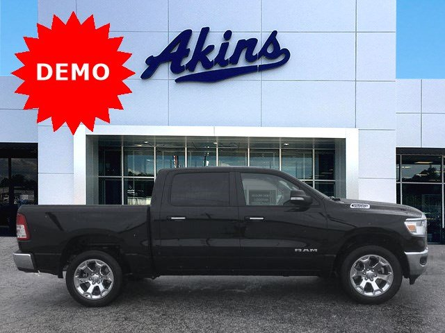 2019 Ram 1500 Crew Cab 4x2,  Pickup #KN611359 - photo 1