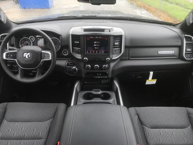 2019 Ram 1500 Crew Cab 4x2,  Pickup #KN611359 - photo 17