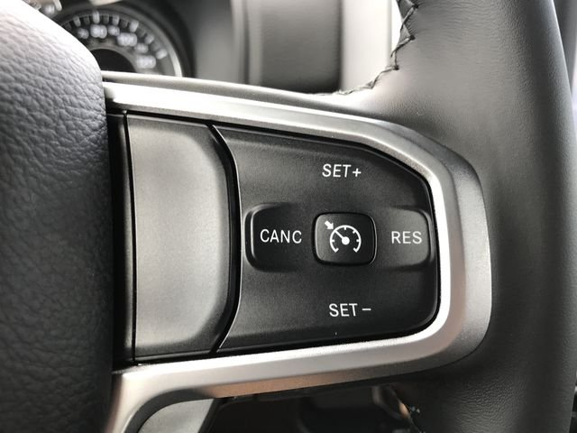 2019 Ram 1500 Crew Cab 4x2,  Pickup #KN611363 - photo 7