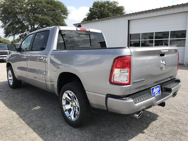 2019 Ram 1500 Crew Cab 4x2,  Pickup #KN611385 - photo 9