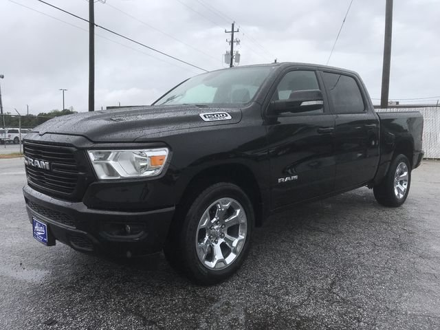 2019 Ram 1500 Crew Cab 4x2,  Pickup #KN611388 - photo 4