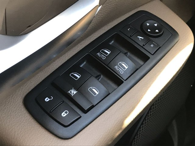 2019 Ram 1500 Crew Cab 4x4,  Pickup #KN816422 - photo 23