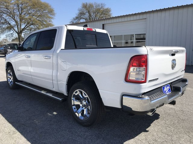2019 Ram 1500 Crew Cab 4x4,  Pickup #KN816422 - photo 4