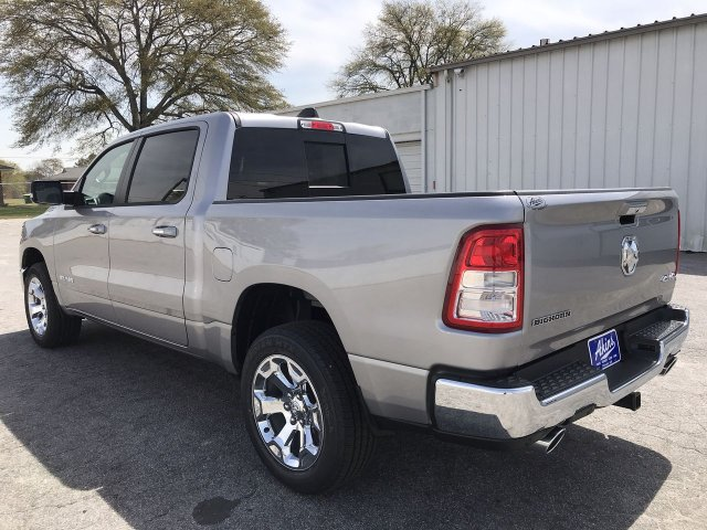 2019 Ram 1500 Crew Cab 4x4,  Pickup #KN825088 - photo 9