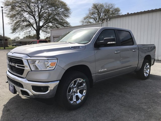 2019 Ram 1500 Crew Cab 4x4,  Pickup #KN825090 - photo 10