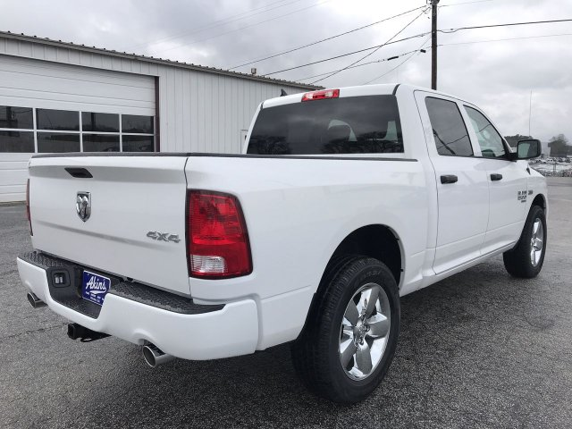 2019 Ram 1500 Crew Cab 4x4, Pickup #KS615914 - photo 1