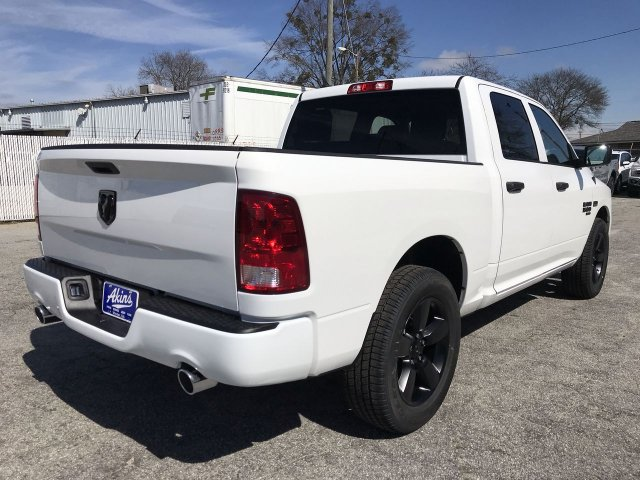 2019 Ram 1500 Crew Cab 4x2, Pickup #KS621254 - photo 1