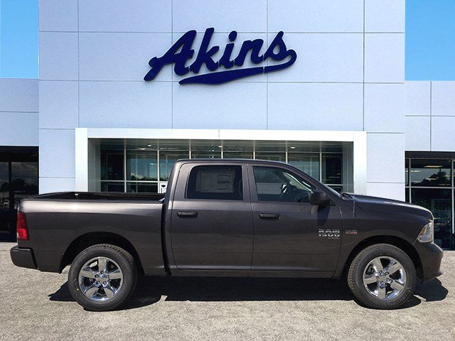 2019 Ram 1500 Crew Cab 4x2,  Pickup #KS625658 - photo 1