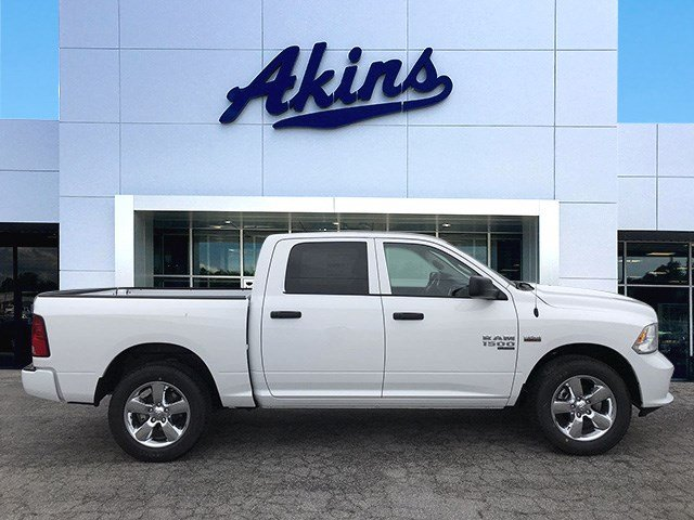 2019 Ram 1500 Crew Cab 4x2,  Pickup #KS625659 - photo 1