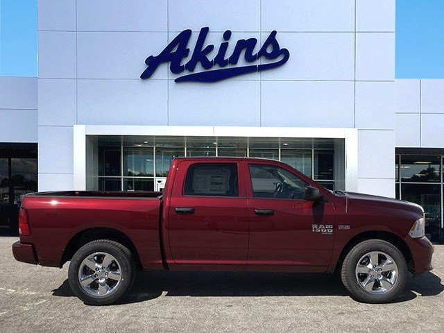 2019 Ram 1500 Crew Cab 4x2,  Pickup #KS625660 - photo 1