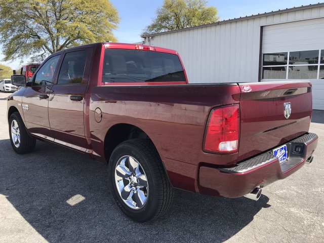 2019 Ram 1500 Crew Cab 4x2,  Pickup #KS625660 - photo 4