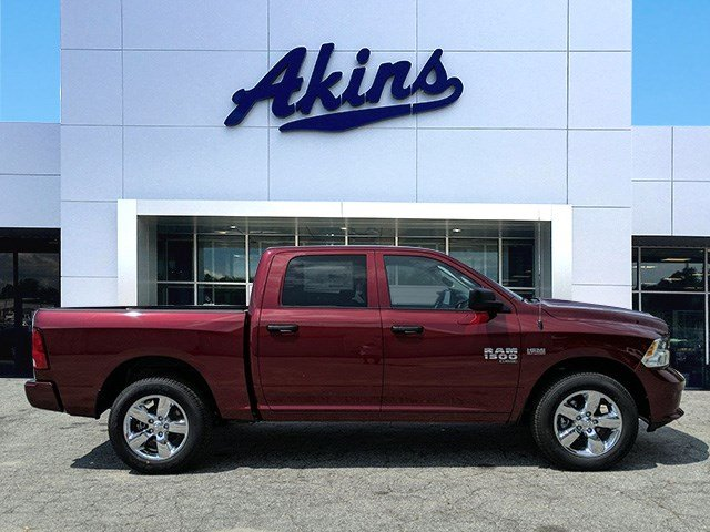 2019 Ram 1500 Crew Cab 4x2, Pickup #KS667613 - photo 1