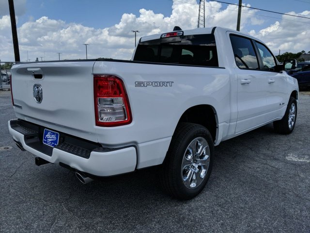 2020 Ram 1500 Crew Cab 4x2, Pickup #LN133435 - photo 1