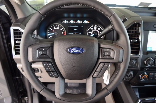 2018 F-150 Crew Cab 4x4, Pickup #F18031 - photo 33