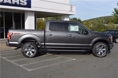 2018 F-150 Crew Cab 4x4, Pickup #F18031 - photo 8