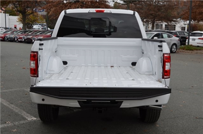 2018 F-150 Crew Cab 4x4, Pickup #F18046 - photo 15