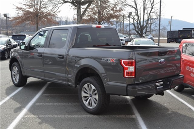 2018 F-150 Crew Cab 4x4, Pickup #F18291 - photo 2