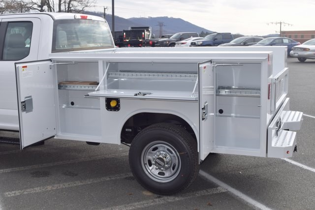 2018 F-250 Super Cab 4x4,  Reading SL Service Body #F18377 - photo 15