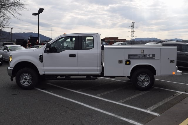2018 F-250 Super Cab 4x4,  Reading SL Service Body #F18377 - photo 6