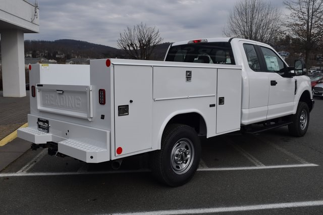 2018 F-250 Super Cab 4x4,  Reading SL Service Body #F18377 - photo 2