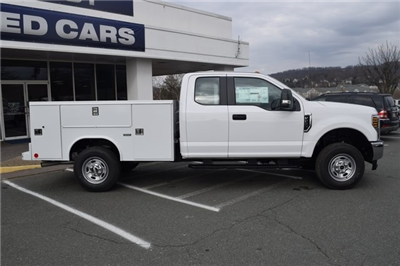 2018 F-250 Super Cab 4x4,  Reading SL Service Body #F18377 - photo 9