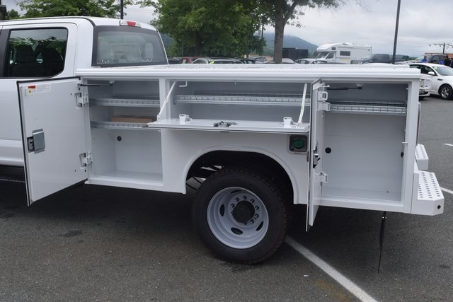 2018 F-450 Crew Cab DRW 4x4,  Reading Classic II Steel Service Body #F18668 - photo 16