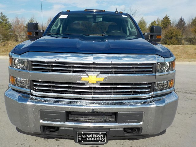 2018 Silverado 2500 Crew Cab 4x4, Pickup #18T244 - photo 3