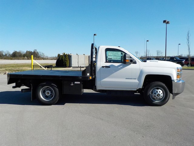2018 Silverado 3500 Regular Cab DRW 4x4,  Reading Platform Body #18T303 - photo 8