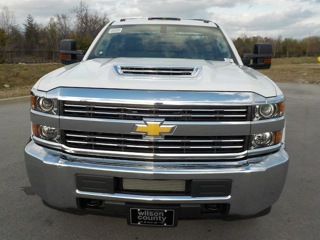 2018 Silverado 3500 Regular Cab DRW 4x4,  Reading Redi-Dek Platform Body #18T304 - photo 3