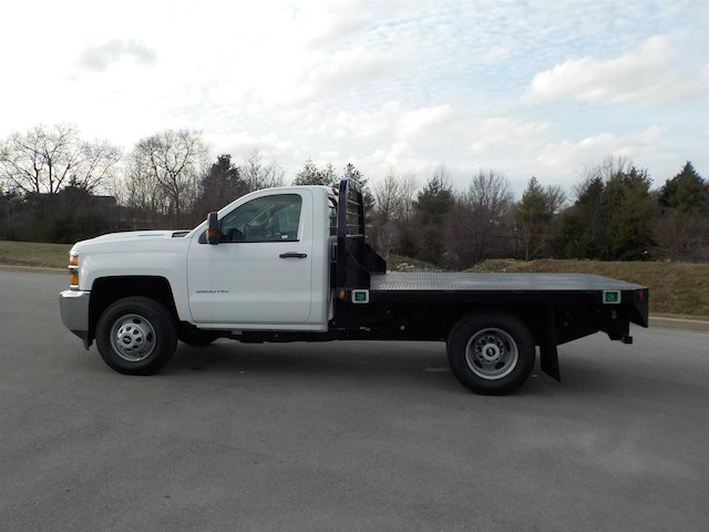 2018 Silverado 3500 Regular Cab DRW 4x4,  Reading Redi-Dek Platform Body #18T304 - photo 5