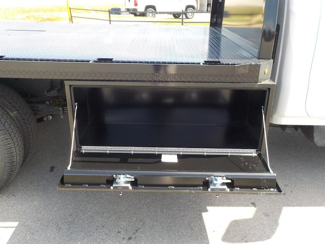 2018 Silverado 3500 Regular Cab DRW 4x4,  Knapheide PGNB Gooseneck Platform Body #18T331 - photo 11