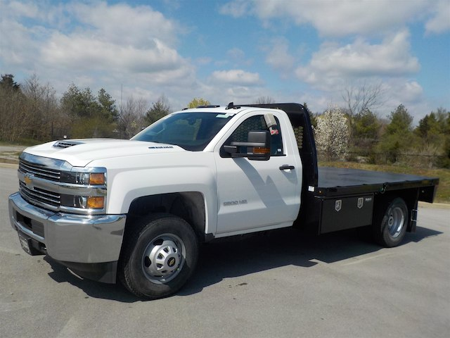 2018 Silverado 3500 Regular Cab DRW 4x4,  Knapheide PGNB Gooseneck Platform Body #18T331 - photo 4