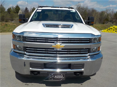 2018 Silverado 3500 Regular Cab DRW 4x4,  Knapheide PGNB Gooseneck Platform Body #18T331 - photo 3