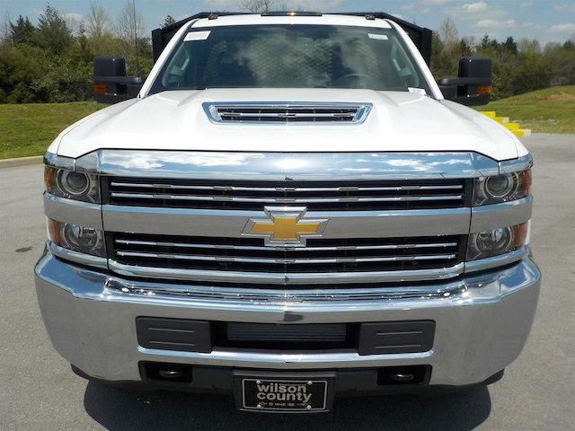 2018 Silverado 3500 Regular Cab DRW 4x4,  Monroe Platform Body #18T362 - photo 3