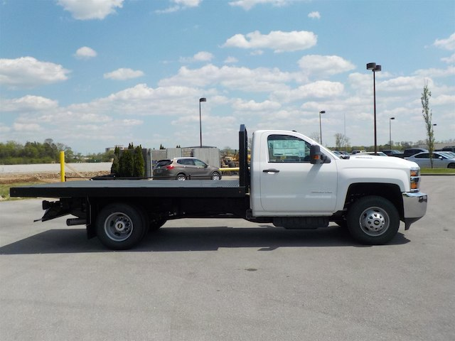 2018 Silverado 3500 Regular Cab DRW 4x4,  Monroe Platform Body #18T362 - photo 8