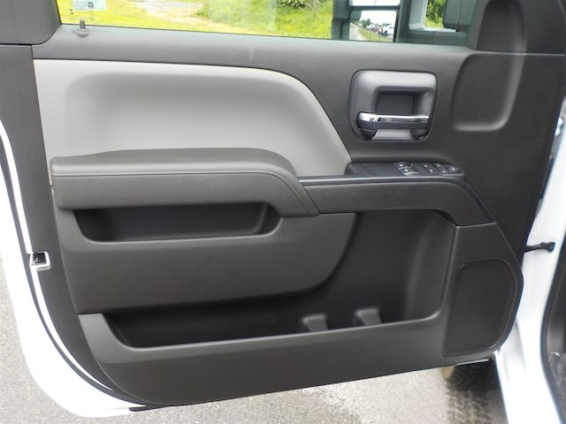 2018 Silverado 3500 Regular Cab DRW 4x2,  Reading Platform Body #18T436 - photo 12