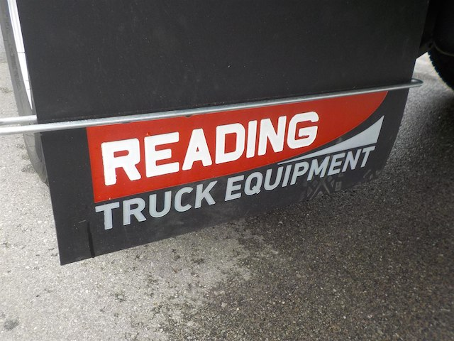 2018 Silverado 3500 Regular Cab DRW 4x2,  Reading Redi-Dek Platform Body #18T436 - photo 32