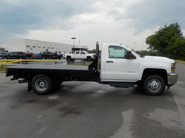 2018 Silverado 3500 Regular Cab DRW 4x2,  Reading Platform Body #18T436 - photo 8