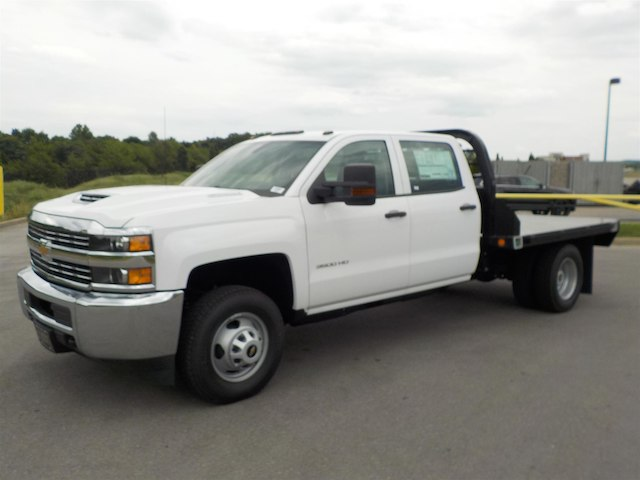 2018 Silverado 3500 Crew Cab DRW 4x4,  Reading Platform Body #18T565 - photo 4