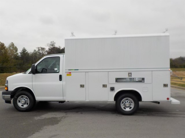 2018 Express 3500 4x2,  Reading Service Utility Van #18T640 - photo 5