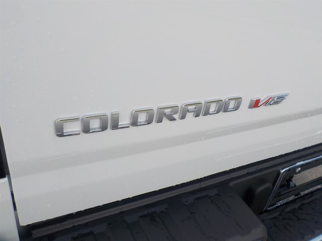 2019 Colorado Crew Cab 4x2,  Pickup #19T036 - photo 32