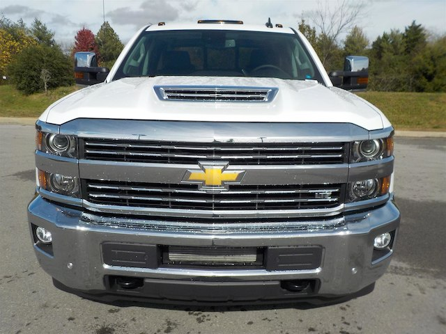 2019 Silverado 3500 Crew Cab 4x4,  Pickup #19T144 - photo 3