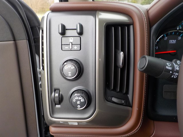 2019 Silverado 3500 Crew Cab 4x4,  Pickup #19T224 - photo 14