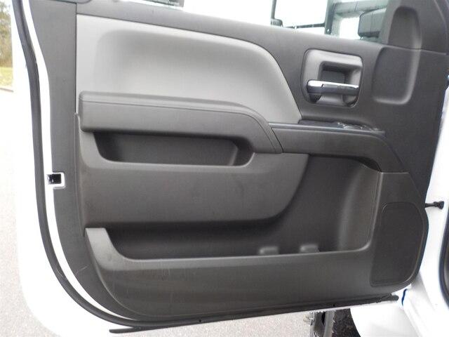 2019 Silverado 4500 Regular Cab DRW 4x4, Wil-Ro Hauler Body #19T631 - photo 12