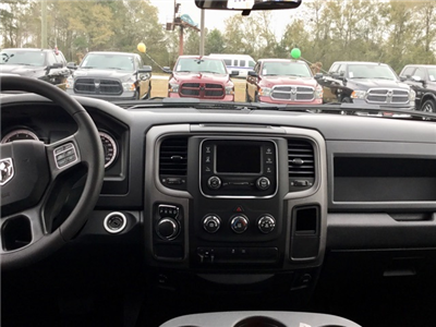 2018 Ram 1500 Crew Cab, Pickup #180125 - photo 10