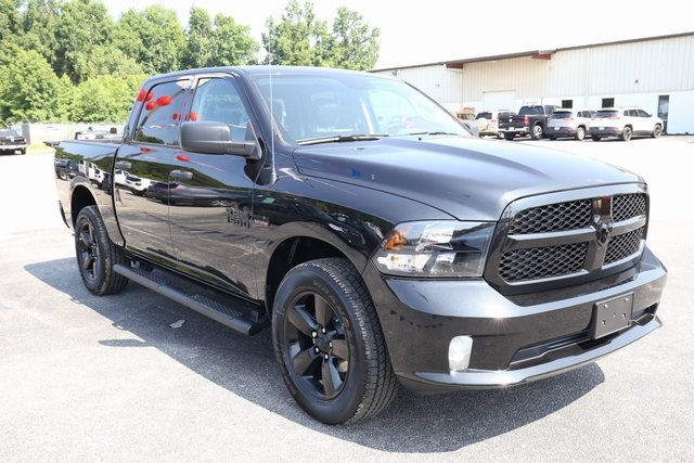 2018 Ram 1500 Crew Cab 4x4,  Pickup #180565 - photo 1