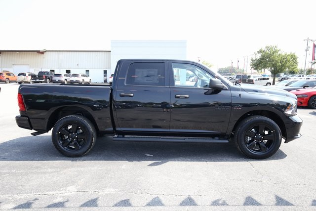 2018 Ram 1500 Crew Cab 4x4,  Pickup #180565 - photo 6