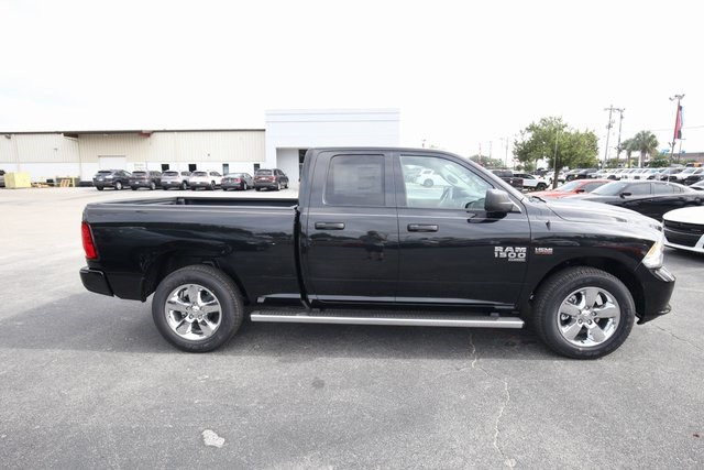 2019 Ram 1500 Quad Cab 4x4,  Pickup #190207 - photo 6