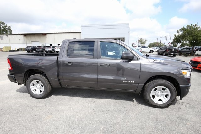 2019 Ram 1500 Crew Cab 4x2,  Pickup #190246 - photo 8