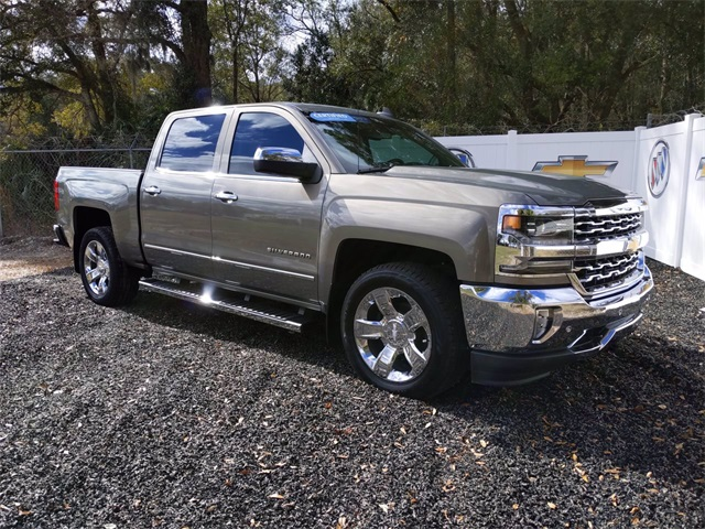 2017 Chevrolet Silverado 1500 Crew Cab 4x2, Pickup #7909A - photo 1